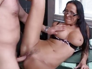 Hardcore banging the hot milf and giving a facial