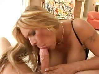 Blonde bitch does great cumshots after sucking for a medal