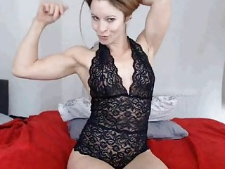 Busty muscular amateur milf is posing nude