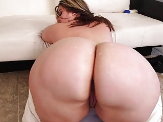BBW slut seduces hunk and gets her big ass drilled