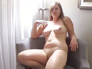 Chubby girl takes off her clothes and seduces