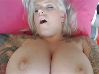 Tattooed BBW loves to show her big tatas