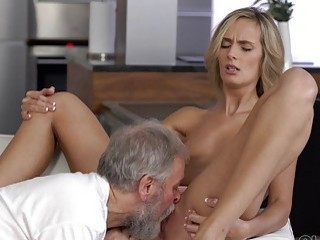 Grandfather fucks a hottie in the mouth