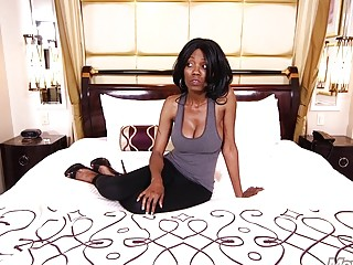 Sluty ebony sucks and fucks hardcore in her ass hole